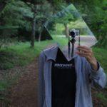 鏡を使ったセルフポートレートです。一碧湖で撮影。