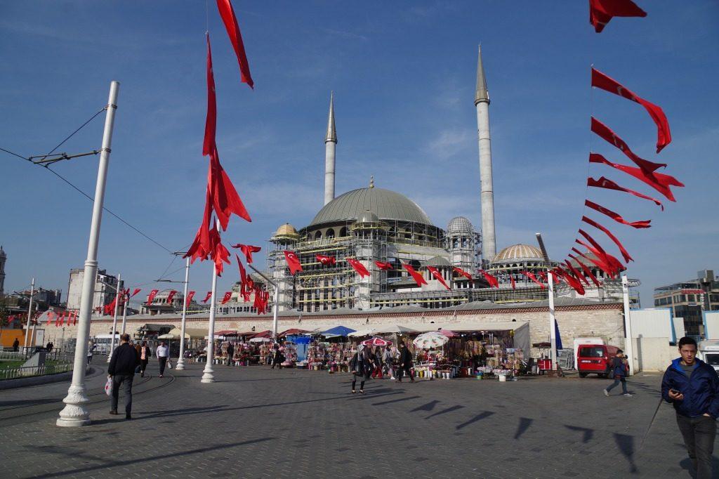 イスタンブールのタクシィム広場